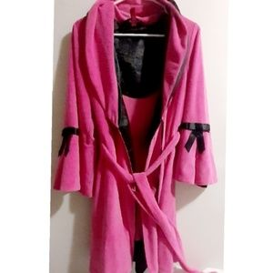 Betsy Johnson Intimates pink and black robe size L